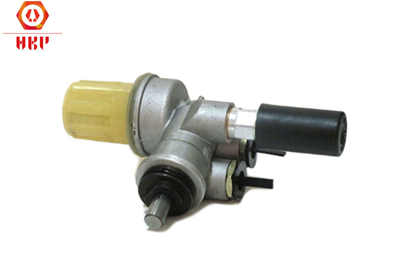 914 Fuel Pump 04233878